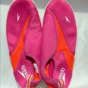 Speedo Water-shoes size 4
